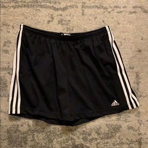 Women's Adidas Shorts w/ Pockets L